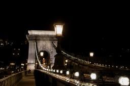 Copie de Copie de pont lumière budapest