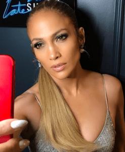 Life in Pumps- Jennifer Lopez 1