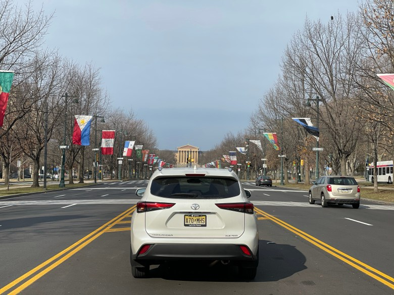 Toyota Highlander Philly fun guide on ben Franklin parkway