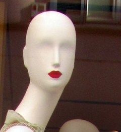 Bald mannequin