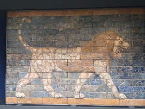 The lion murals that lined the way into Babylon.