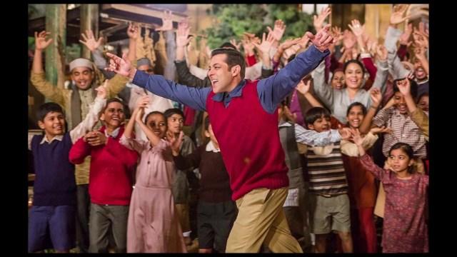 Salman Khan- dancing boy