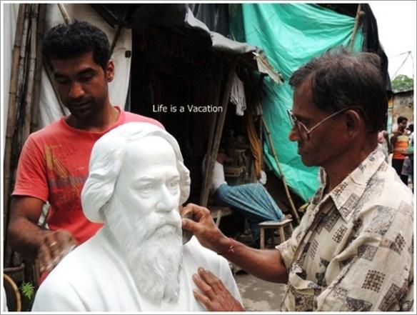 Kumortuli Rabindranath Statue