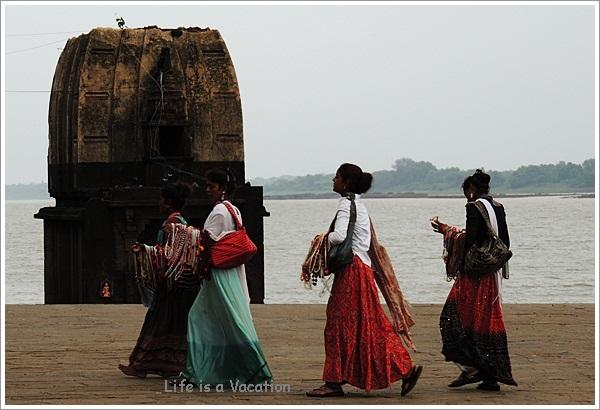 Maheshwar Narmada Bead Girls by Narmada