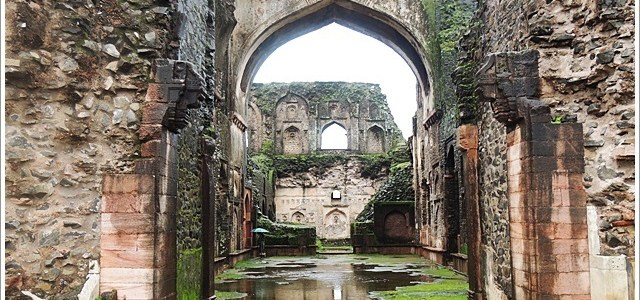 Ruins of Mandu, Enduring Time and Tide