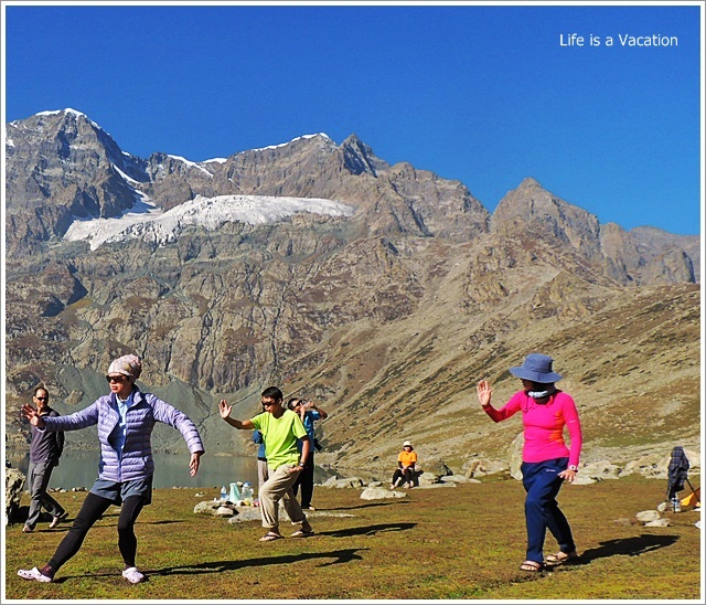 Gangbal and Nundkol Lake - Tai Chi in Kashmir Great Lakes