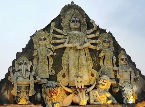 Tallest Durga Idol -DurgaPuja Deshapriya Park 2015