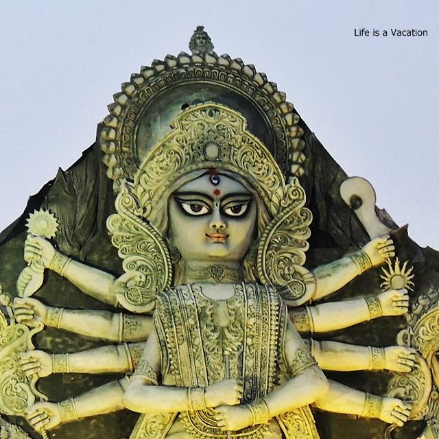 Tallest Durga Idol - DurgaPuja Deshapriya Park 2015