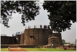 Bijapur Trip in 1 Day-Malik e Maidaan
