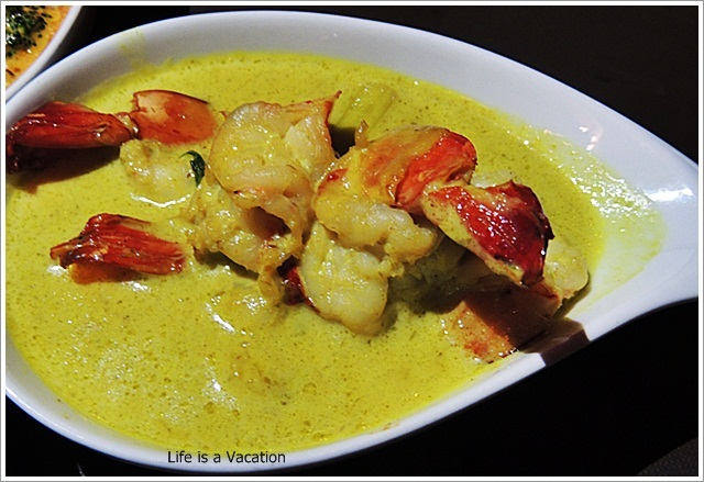 Zuri-Sake-Songkran-Prawn-GreenCurry