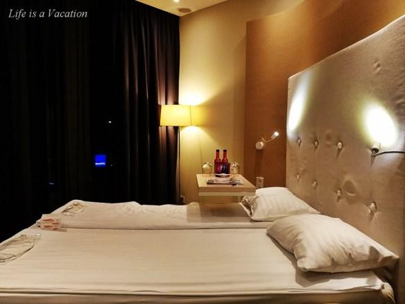 Warsaw Sound Garden Hotel Ladies Room