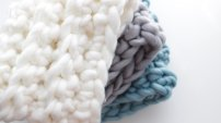 https://topknotstyle.ca/collections/cowls/products/cowls?variant=7498268353