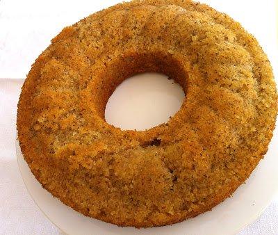 Saftiger Zitronenkuchen mit Mandeln von Carlotte von Jung Arras http://jung-arras.blogspot.de/2013/07/saftiger-zitronenkuchen-mit-mandeln.html