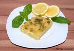 Zitronen-Joghurt-Kuchen mit Basilikumzucker von Saskia von Make it sweet http://makeitsweet.de/zitronen-joghurt-kuchen-mit-basilikumzucker/
