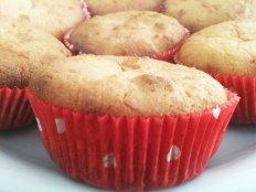 Zitronen-Mandel-Muffins von Benjamin von Benjamin´s Project http://www.bcproject.de/2014/05/25/zitronen-mandel-muffins-rezept-des-monatszutaten-fuer-12-stueck/