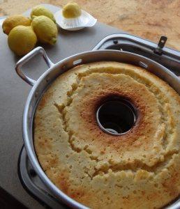 Zitronenkuchen von Doreen von Kochen und Backen im Wohnmobil http://www.kochen-und-backen-im-wohnmobil.de/zitronenkuchen/