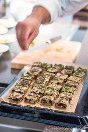 Leckere Quiche mit süßen Pflaumen und Walnüssen