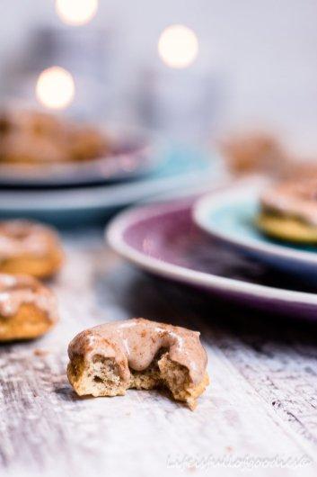 Kardamom-Mini-Donuts aus dem Buch vom Backbuben