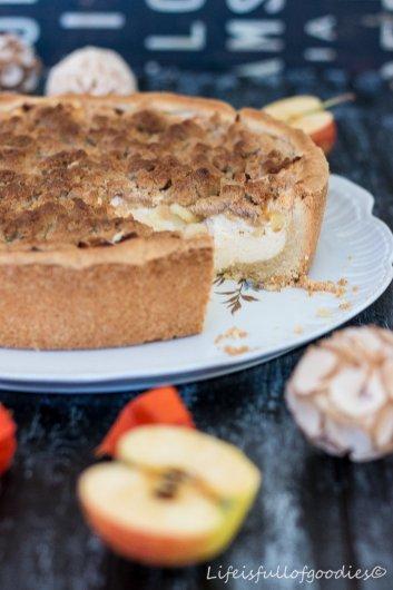 Apfel-Käsekuchen mit Zimtstreuseln