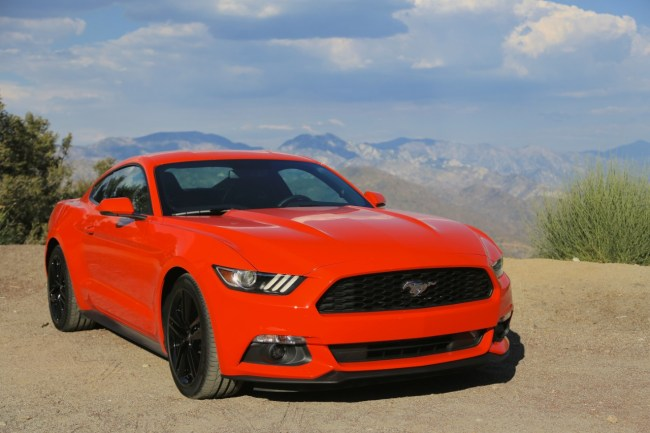 2015-Mustang-EcoBoost-Static-Angeles-Hwy-014