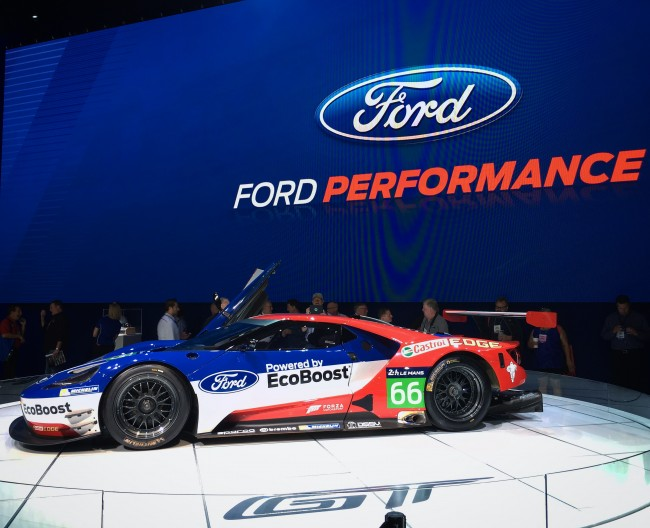 ford-gt-racing-sema-2015