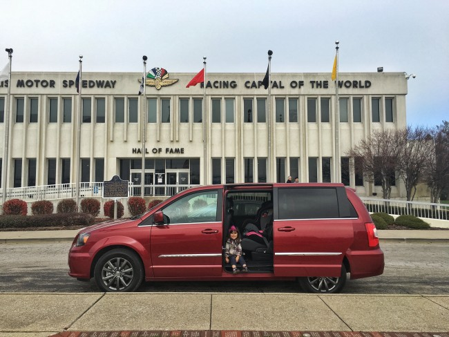 2016-chrysler-town-and-country-7