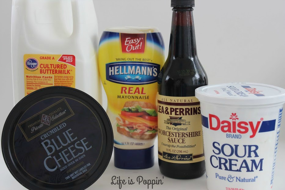 Blue-cheese-dressing-ingredients