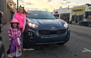 The 2017 Kia Sportage Takes Us on a Spooky Halloween Adventure!