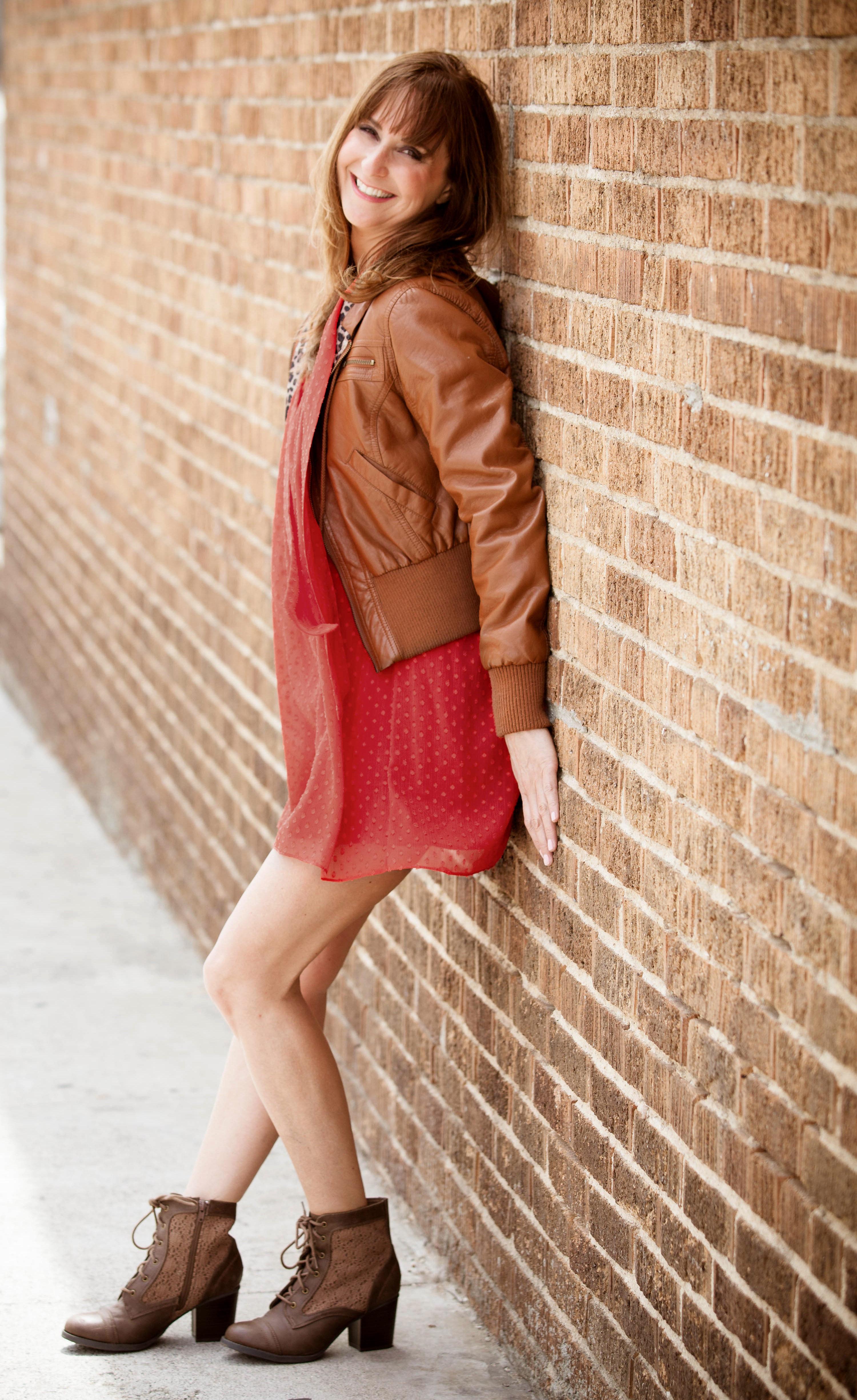 Leanne_Linsky_brick_wall