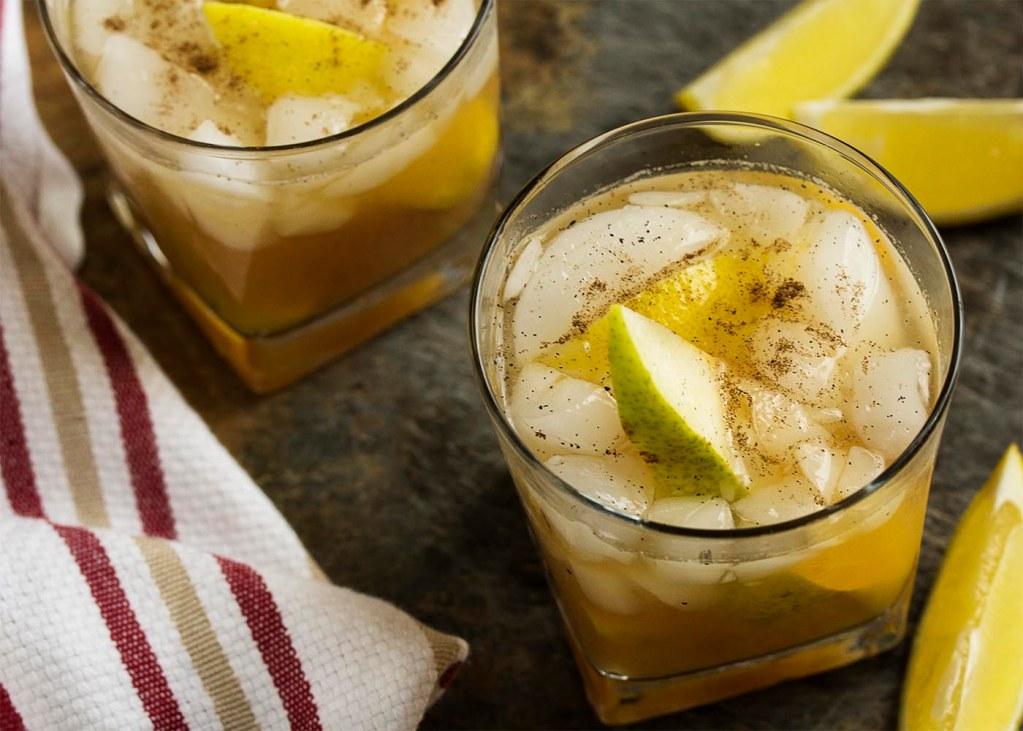 Amazing pear bourbon smash fall cocktail recipe