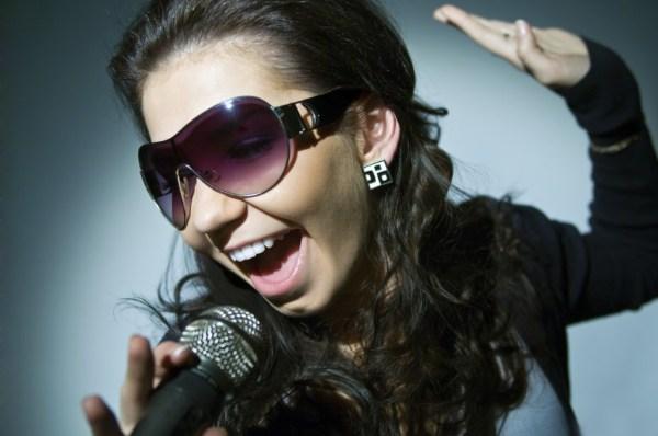 Creativ Music Centre - Girl singing