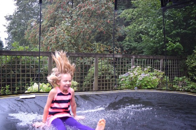 puddle-jumping-trampoline-games