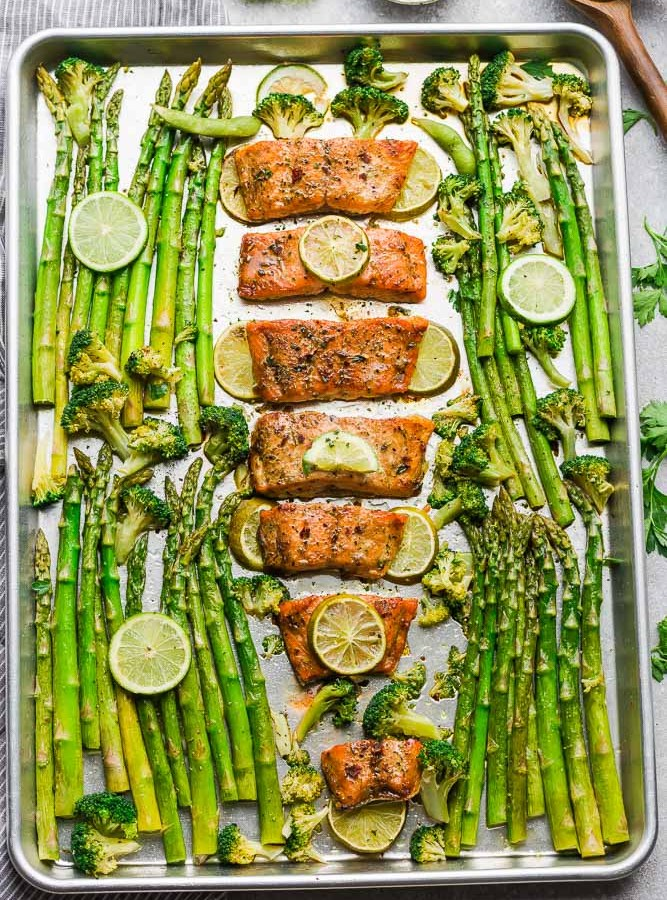Chili Lime Salmon is the perfect easy weeknight meal. Best of all, it's fresh, flavorful and super delicious and comes together in less than 30 minutes. Made with tangy lime, chili powder and fresh parsley.