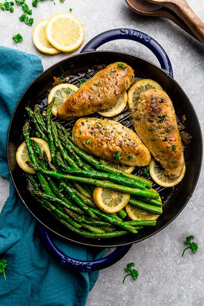Keto Lemon Pepper Chicken – an easy 30 minute one pan meal perfect for busy weeknights. Best of all, this low carb, paleo-friendly recipe cooks up tender, juicy and full of delicious fresh and zingy flavors.
