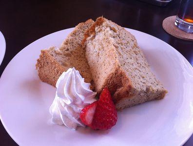 上越カフェダイニングのラングレー(langley)で紅茶のシフォンケーキをいただく。