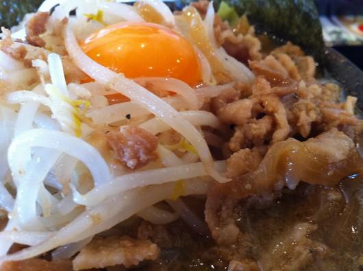 【新井】義次の肉そば2