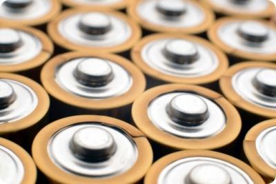乾電池 長持ちさせる方法 保管方法 冷蔵庫 ラップ テープ