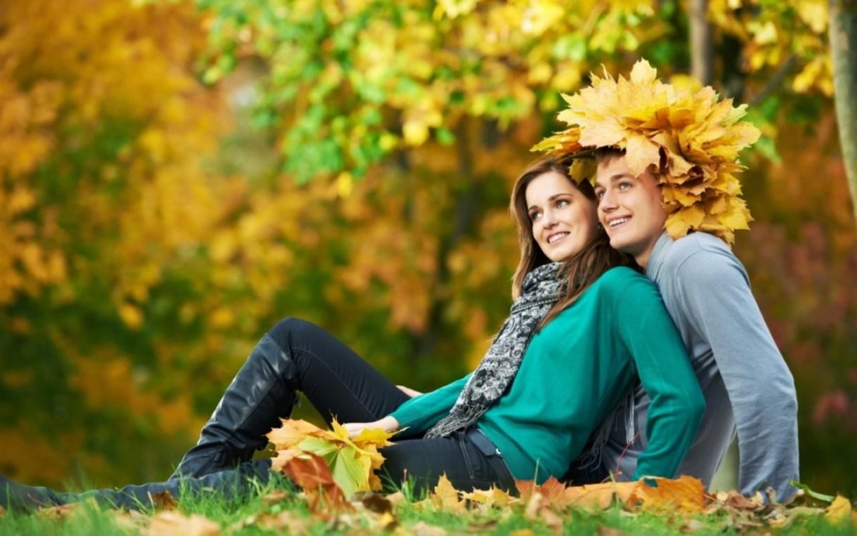 Smiling-love-couple-wallpaper-