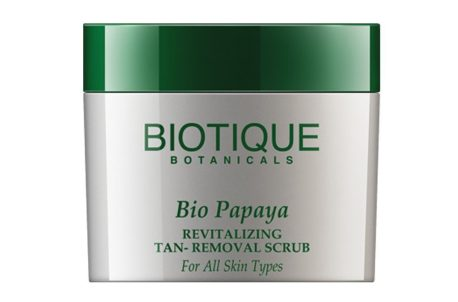 Biotique Bio Papaya Smoothing and Revitalizing Scrub