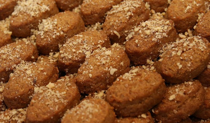 Christmas Greek sweet, The Christmas Greek sweet was associated with the dead