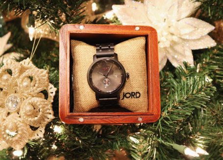 What to buy men for Christmas | wood watches | gift ideas for men | gift guide for men | Christmas gift ideas