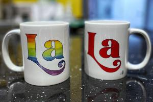 Two cups with 'La' on it