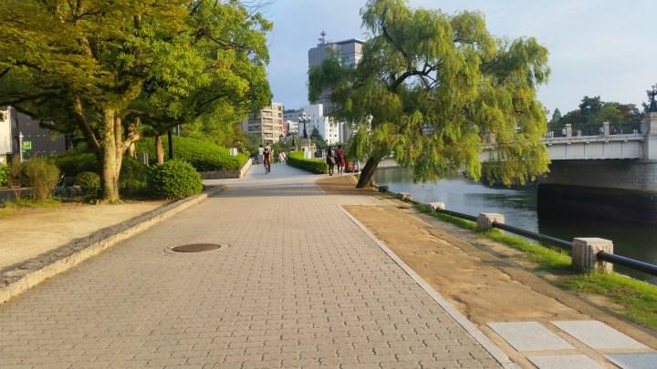Life of Shal_Hiroshima_Wandering the streets