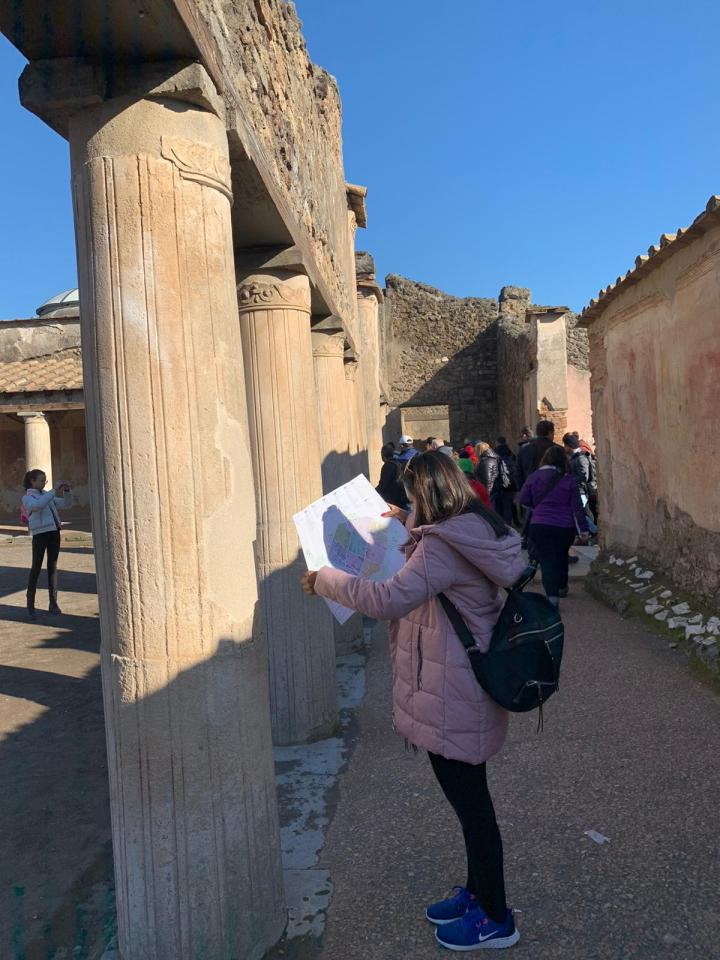 Italy, travel, map, Exploring in Pompeii