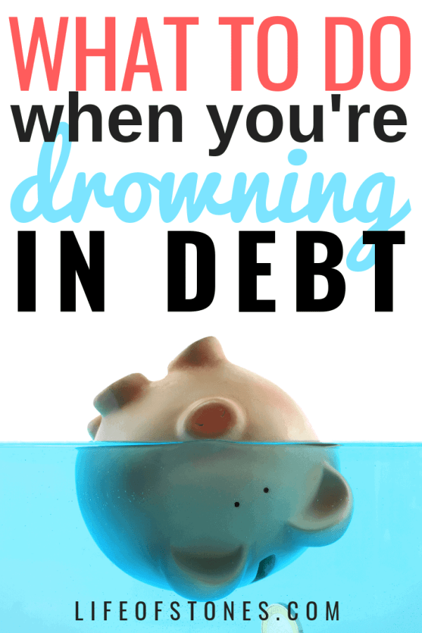 I felt so hopeless when I was drowning in debt! These helpful tips helped me pay off debt quickly! Use these debt payoff tips to pay off credit cards and student loan debt. Read the article to see how to get out of debt quickly! #LifeofStones #debtpayoff #DaveRamsey #personalfinancetips