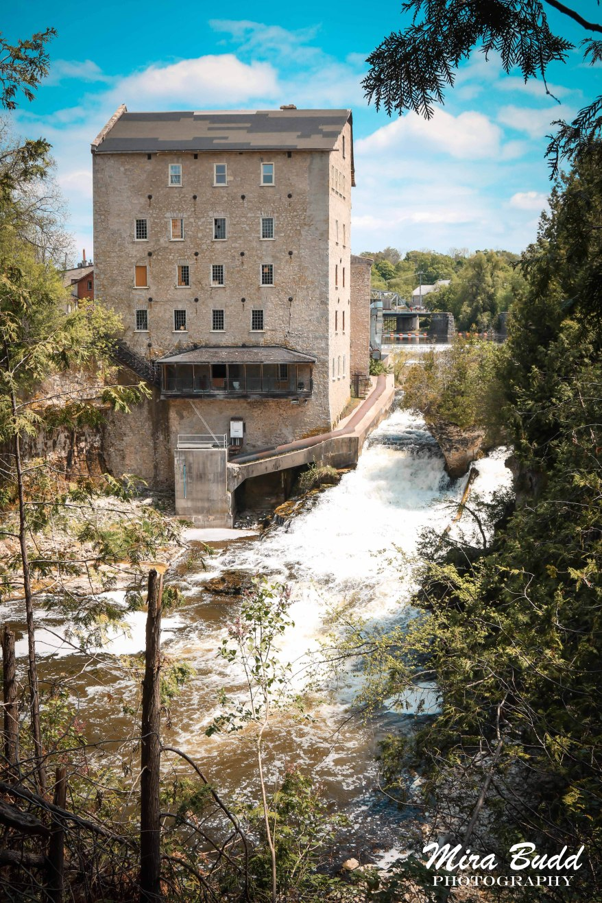 Elora Ontario, Elora Waterfalls, Waterfalls in Ontario, Beautiful towns in Ontario, Places to Visit in Ontario, hiking Trails Ontario,