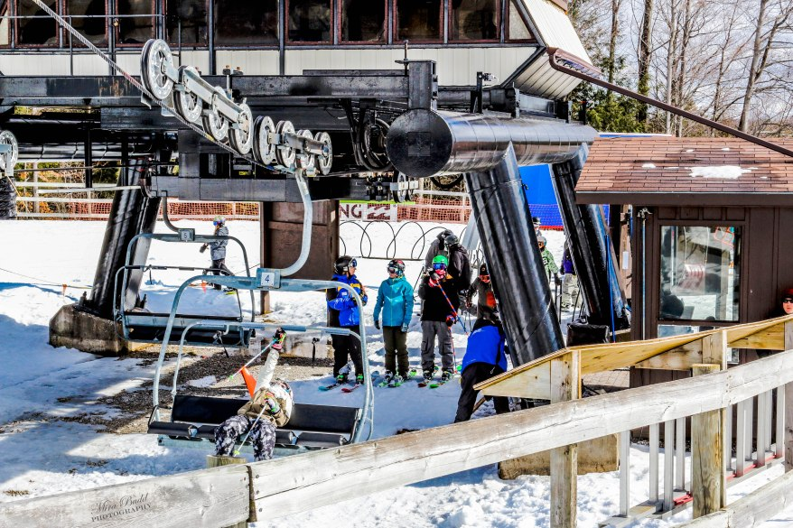 Ontario Skiing, Top Ski Hills in Ontario, Best Skiings in Ontario, Freestyle Skiers, Things to do in Winter in Ontario, Ski Rosorts Ontario, Mount St. Louise Moonstone,