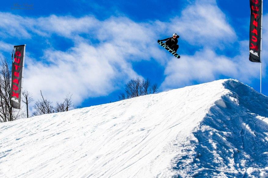 Ontario Skiing, Top Ski Hills in Ontario, Best Skiings in Ontario, Freestyle Skiers, Things to do in Winter in Ontario, Ski Rosorts Ontario, Mount St. Louise Moonstone, Snowboarding Ontario,