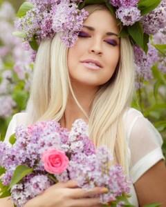 Humidity and Hair, Brampton hair Salon, Beautiful Hair, Beautiful Summer Hair, Best Hair Products for frizzy Hair, Brampton Hair Salons,