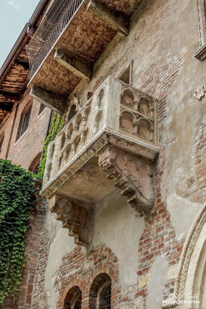 Juliet's Balcony, Things to See in Verona Italy, Things to Do in Verona Italy, Places to Visit in Italy, Beautiful Towns in Italy, Beautiful Places in Europe,